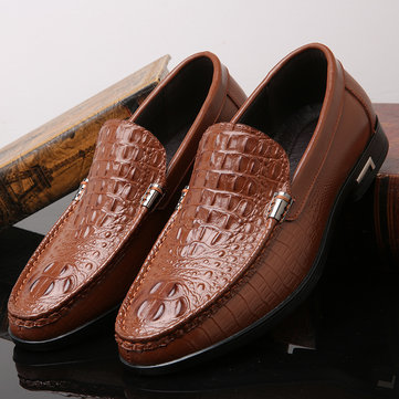 Men Crocodile Pattern Low Top Slip On Casual Loafers