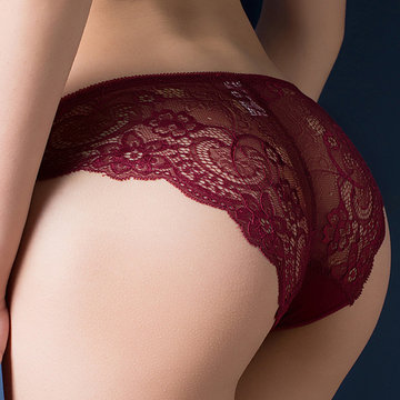 Hollow Lace Embroidered Hip Lifting Panties