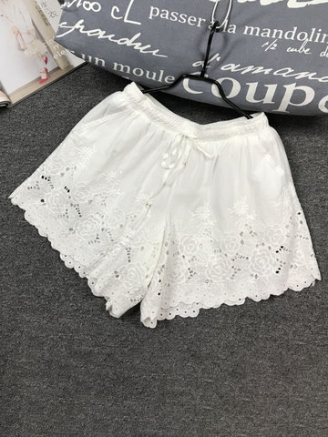 Floral Embroidered Hollow Shorts, White black