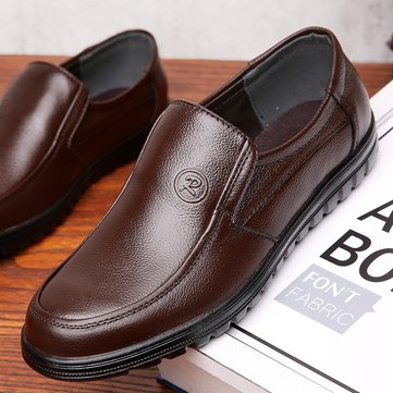 Men Pure Color Soft Slip On Casual Leather Shoes